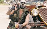 En el video hay escenas apocalíticas de un grupo de guerreros camuflageados