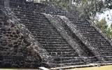 Se trata de la zona arqueológica de Teopanzolco en Cuernavaca y la zona de Las Pilas en Jonacatepec