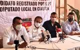 Paco Cedeño es candidato por el Partido del Trabajo a una diputación local y previamente se dedicó a difundir información a través de sus redes sociales