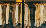 Las ventas tanto de uniformes escolares como de ropa casual, vestidos de novia y de gala, se han desplomado más de un 50 por ciento