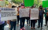Profesores exigen que se les pague el 15 por ciento de aumento salarial que se autorizó en el mes de enero