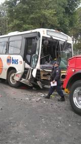 El saldo preliminar es de una persona sin vida y otras tres más lesionadas, reportan paramédicos de la Cruz Roja